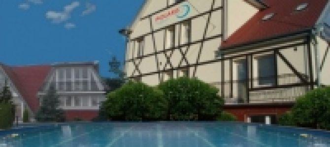Hotel Rooms & Apartments POLARIS z basenem, malowniczo położony hotel nad Zalewem Wiślanym, w zacisznej i spokojnej części Krynicy Morskiej zaprasza Państwa na wypoczynek. W miłej, zacisznej atmosferze mogą Państwo ...