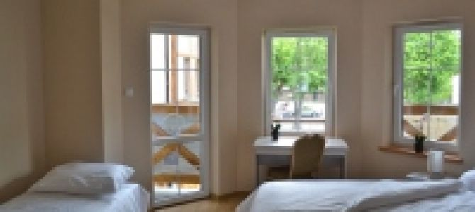 Apartamenty rodzinne ELA to najnowsza część kompleksu apartamentowego położonego w Rowach przy ul. Plażowej i wybudowanego w tradycyjnym dla regionu stylu.  Zostały one zrealizowane z myślą m. in. o wypoczynku całych ...